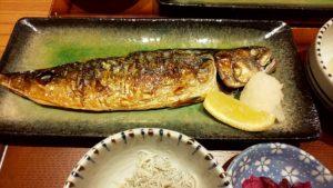 (豊洲 グルメ ランチ) 「豊洲場外食堂魚金」豊洲駅前で市場の美味しいお魚を味わう